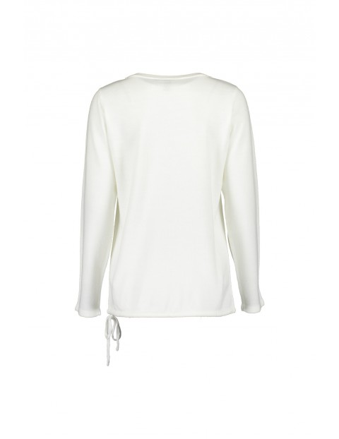 Damski sweter z dzianiny - biały