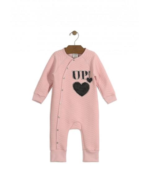 Pajac niemowlęcy różowy z czarnym sercem