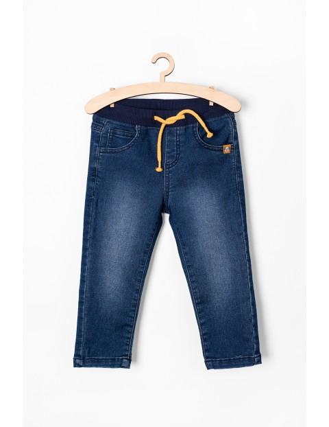 Jeansowe spodnie niemowlęce- niebieskie