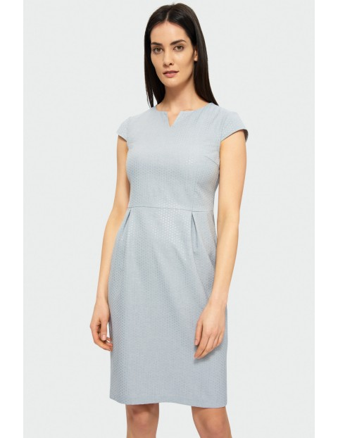 Szara sukienka damska z dekoltem V odcinana w talii