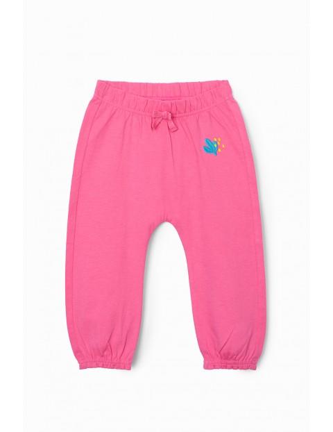 Spodnie dziewczęce z cienkiej dzianiny- różowe