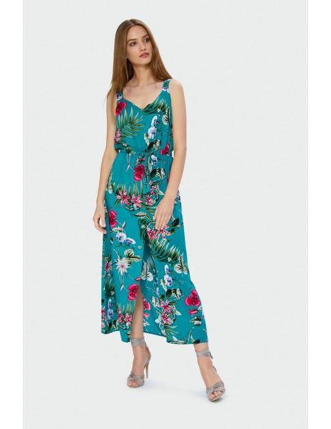 Niebieska sukienka maxi w kolorowe kwiaty