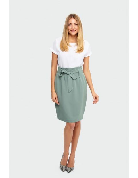 Zielona spódnica ołówkowa z ozdobnym wiązaniem w talii