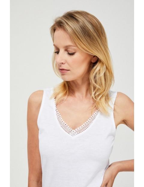 Bawełniany top na szerokich ramiączkach biały z koronką