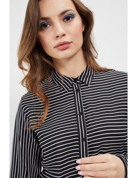 Czarna koszula damska w paski