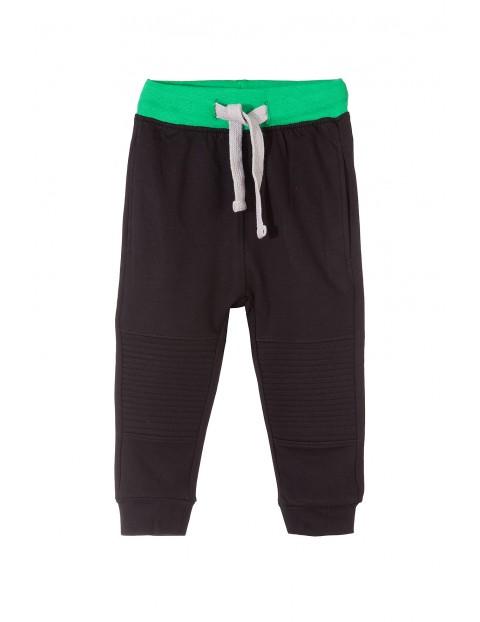 Spodnie dresowe dla chłopca 1M3515