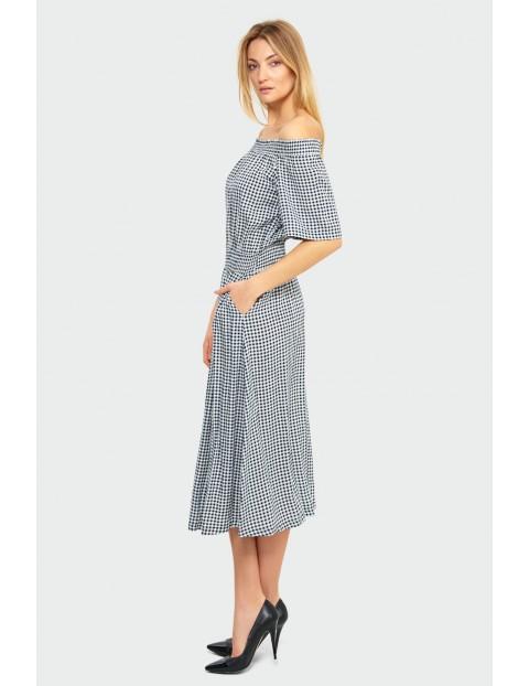 Wiskozowa sukienka typu hiszpanka w biało- czarną kratę