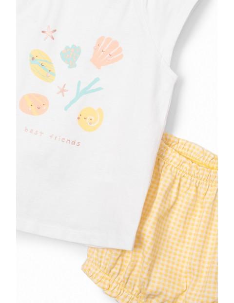 Komplet dziewczęcy  - biały  t-shirt we wzorki i żółte spodenki