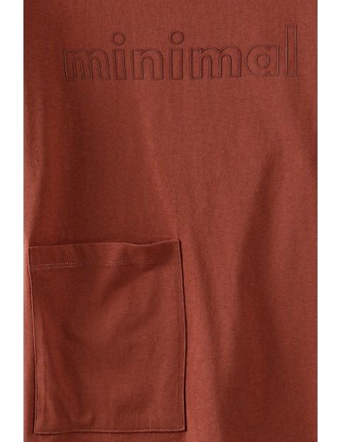 Bawełniany t-shirt dziewczęcy z napisem Minimal i dużą kieszonką