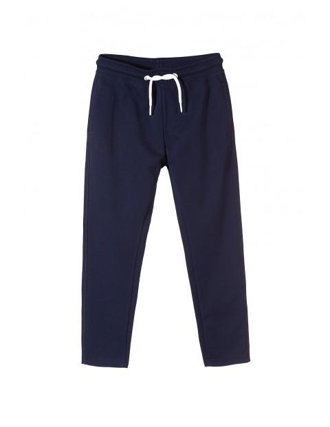 Spodnie dresowe chłopięce 2M3401