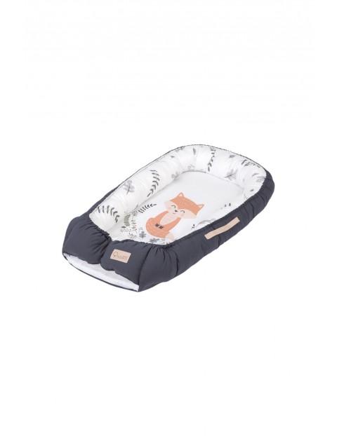 Bawełniany kokon niemowlęcy z liskiem - biało - grafitowy - 80x45 cm