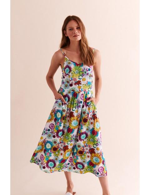 Sukienka biała w kolorowe kwiaty