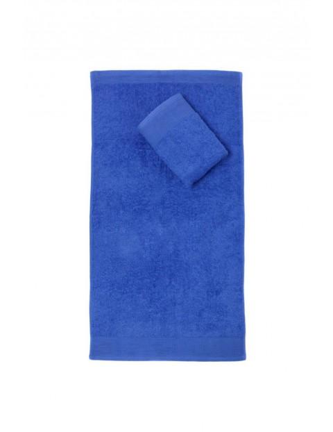 Bawełniany chłonny ręcznik w kolorze granatowym o wymiarach 50x100 cm