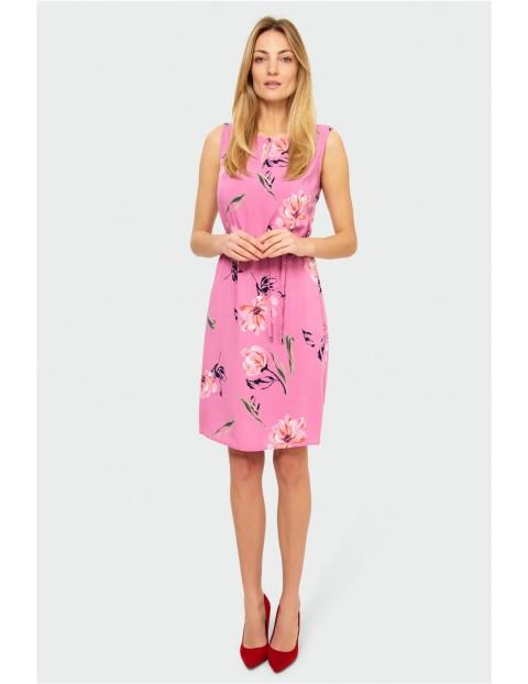 Różowa sukienka damska w kwiaty na grube ramiączka