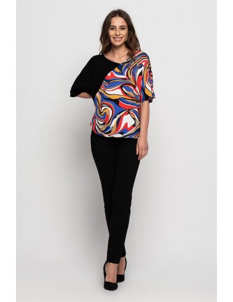 Bluzka damska w kolorowe wzory