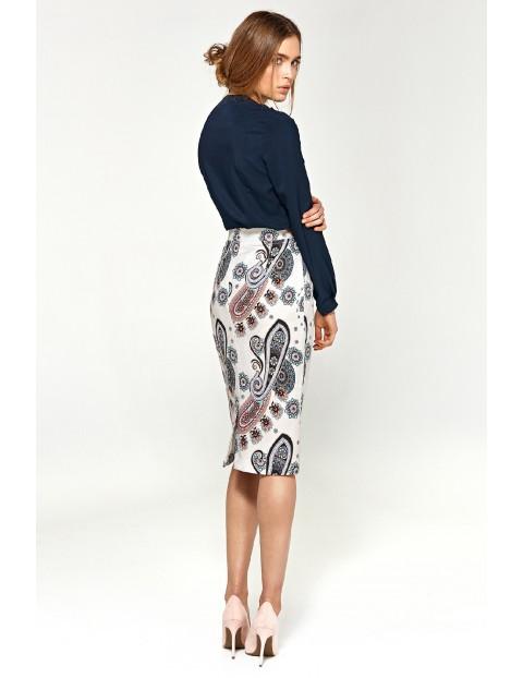 Granatowa bluzka damska z asymetrycznymi falbanami