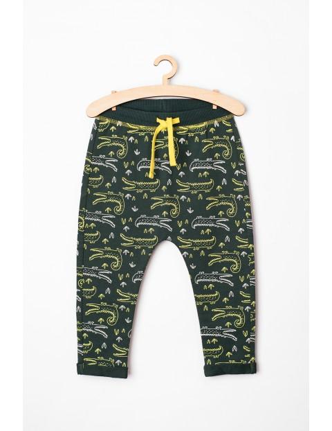 Dresy niemowlęce w krokodyle