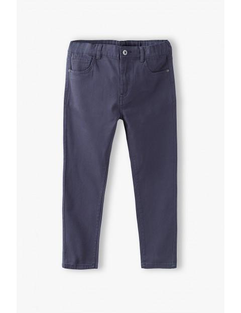 Spodnie chłopięce w kolorze szarym