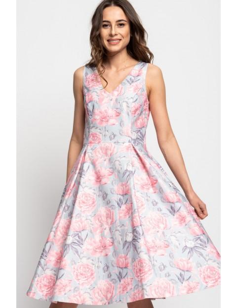 Biała sukienka damska w kwiaty
