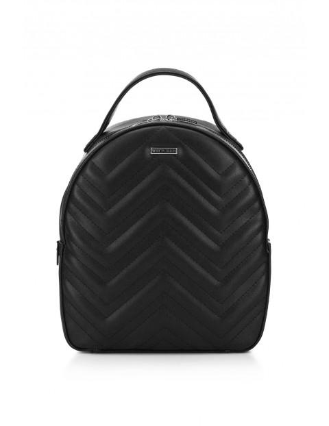 Czarny plecak damski Wittchen z przeszyciami