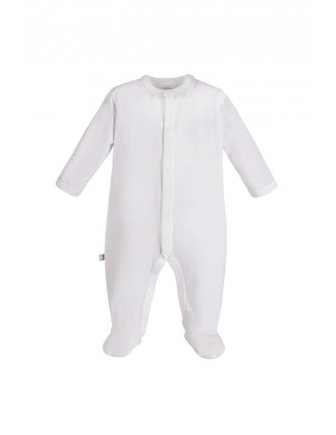 Pajac niemowlęcy biały- wyprawka dla noworodka