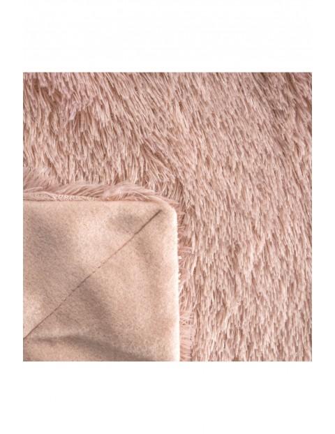 Koc z delikatnego futerka - jasnoróżowy - 70x160cm