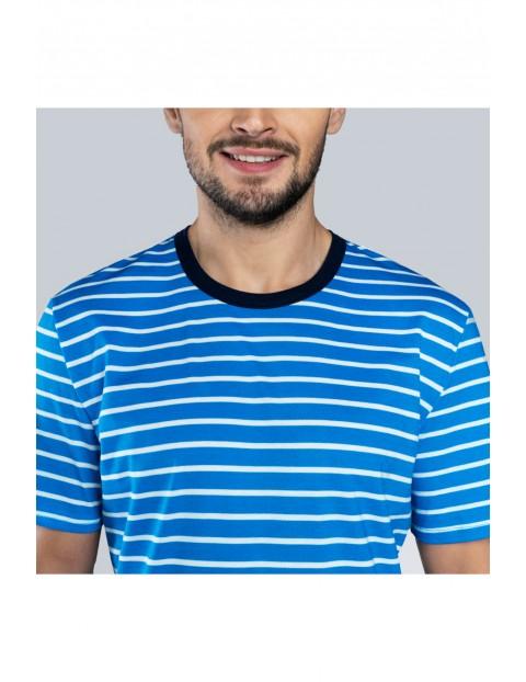 Dwuczęściowa piżama męska - t-shirt w biało - niebieskie paski i krótkie spodenki