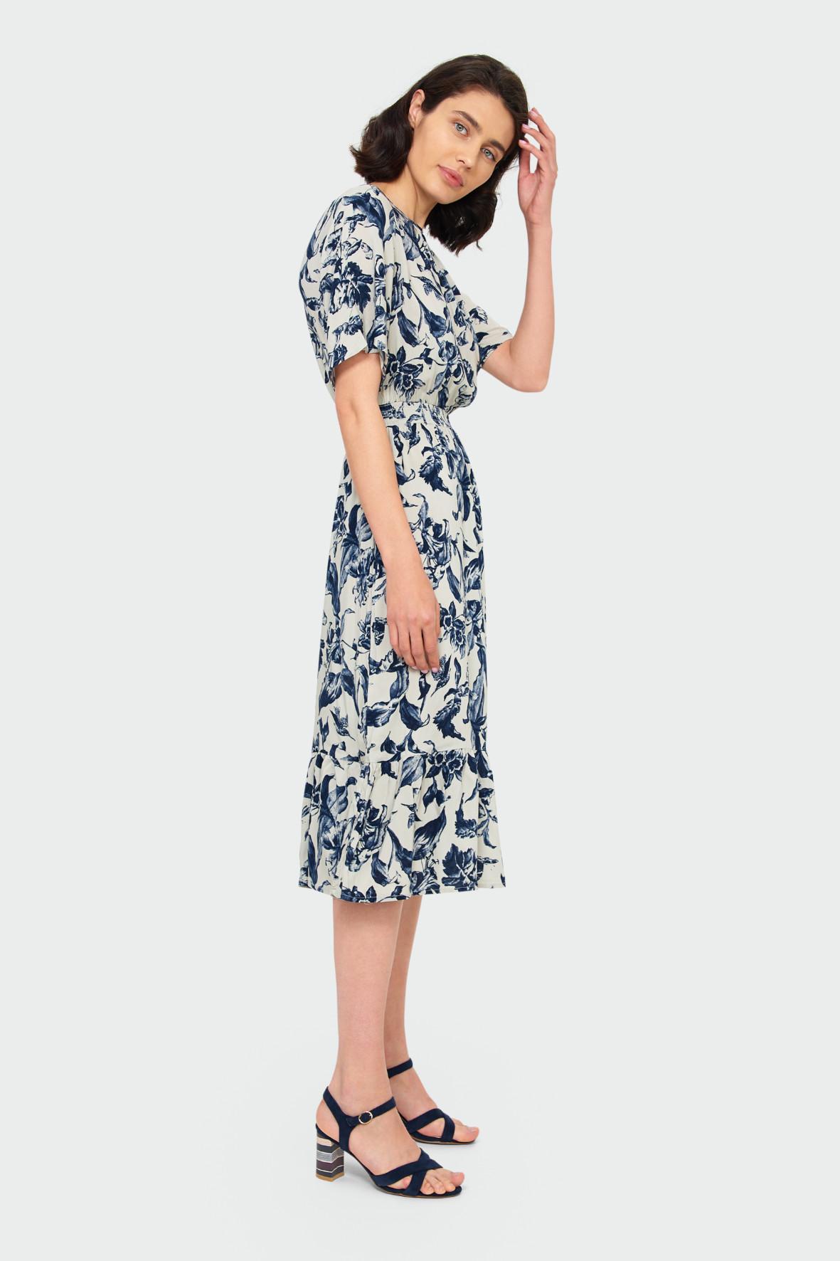 Wiskozowa sukienka z nadrukiem 8K40G5